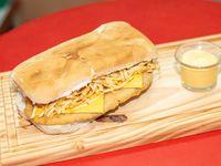 9- Sándwich de milanesa Master Cheese