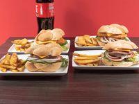 Combo 7 - 4 hamburguesas cheeseburger o italianas + papas fritas + bebida 1.5 L
