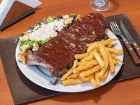 Promo - Ribs de cerdo BBQ + papas fritas + ensalada cesar