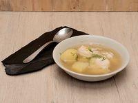 Caldo con Huevos