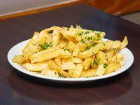 Porción de papas fritas a la provenzal