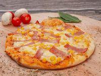 Pizza Maíz Tocineta y Cebolla