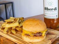 Promoción - Cheeseburger + Papas fritas + Cerveza Alberdi 1 L