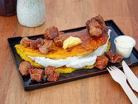 Cachapa mixta con base de queso