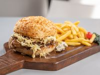 Hamburguesa Blue cheese con papas fritas