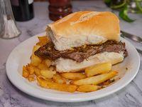 Sándwich de vacío completo con papas fritas