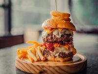 Monster burger ak-47 444 gr + papas fritas