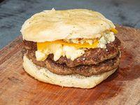 Hamburguesa gigante doble a los cuatro quesos