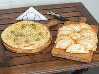 Promo 4 - Pizza grande de muzzarella + docena de empanadas