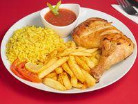 Pollo con arroz y papas fritas