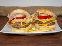 4 Burger con papas fritas
