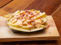 Papas fritas XL con cheddar y bacon