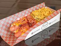 Doble hotdog con salchicha de viena y salsa