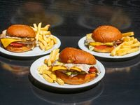 Promo 4 - 3 hamburguesas con cheddar
