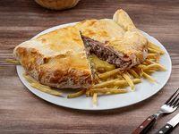 Sugerencia - Chivicalzone con papas fritas para dos