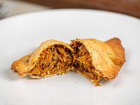 Empanada de repollo y zanahoria al curry