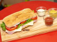 07- Sándwich de milanesa especial completo