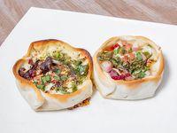 23- Empanada de panceta ahumada, muzzarella y provolone