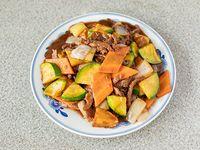 77 - Carne saltada Kon Pao (picante)