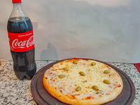 Pizza grande con muzza + Coca Cola 1.5 L