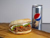 Combo - Sándwich de carne mechada palta mayo + lata 354 ml