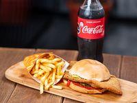 Combo - Milanesa al pan + papas fritas + bebida 600 ml