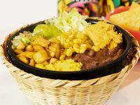 Tazón Vegetariano en Combo Con Nachos y Bebida
