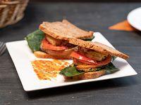 Sándwich Vegano Sin Gluten con Refresco