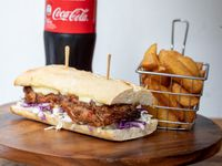 Combo - Sándwich +  papas fritas rústicas + Coca-Cola 600ml