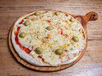 Pizza con mozzarella y provolone