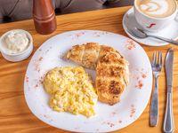 Desayuno o merienda franchute - Infusión + huevos revueltos + tostadas de campo