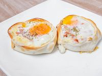 18- Empanada de panceta y huevo frito con muzzarella