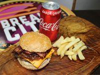 Bacon Cheese Burger + Papas fritas + Bebida
