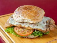 Sándwich de milanesa combinada