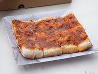 Pizza medio metro a la salsa