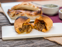 Empanada boliviana de carne