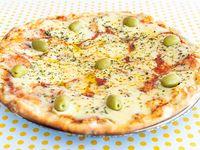 Pizza con muzzarella con aceitunas
