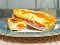 Tarta de jamón, tomate y muzzarella