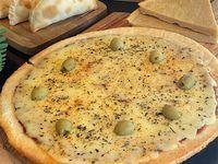 Promo 9 - Pizza muzzarella grande + 12 Empanadas + 2 Faina