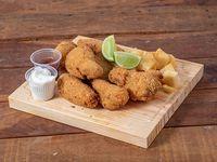 Alitas de pollo frito con Mandioca Frita