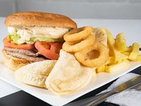 Churrasco o lomito italiano + papas fritas + aros de cebolla + 3 empanadas de queso