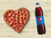 Pizza Corazón + Bebida 1.5L