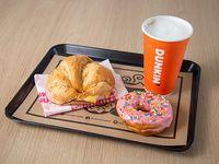 Combo -  Sándwich jamón y queso + donut classic + bebida classic M (a elección)