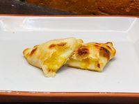 Empanada de calabaza, choclo y muzzarella
