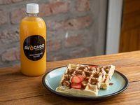 Combo - Jugo de Naranjas + 2 Waffles Con Salsa