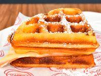 Sandwich Waffle Rojo Crema