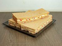 Sándwiches de bondiola, tomate y huevo