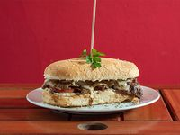 Sandwich de lomito bommau