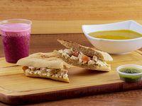 Panini Chicken Pesto+ Sopa + Jugo Natural