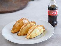 Promo - 3 empanadas + Coca-Cola 250 ml